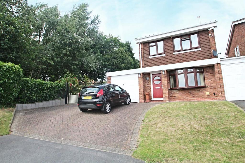 3 Bedrooms Detached House for sale in Milton Avenue, Swadlincote