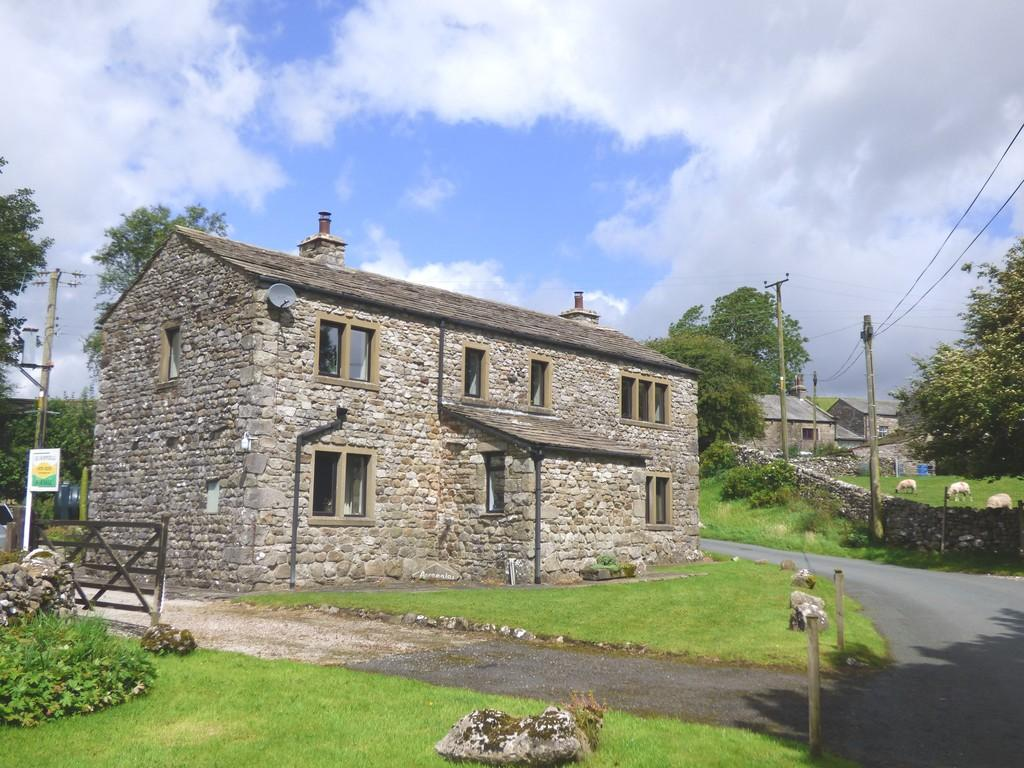 3 Bedrooms Barn Conversion Character Property for sale in Annamalai, Nr Horton in Ribblesdale