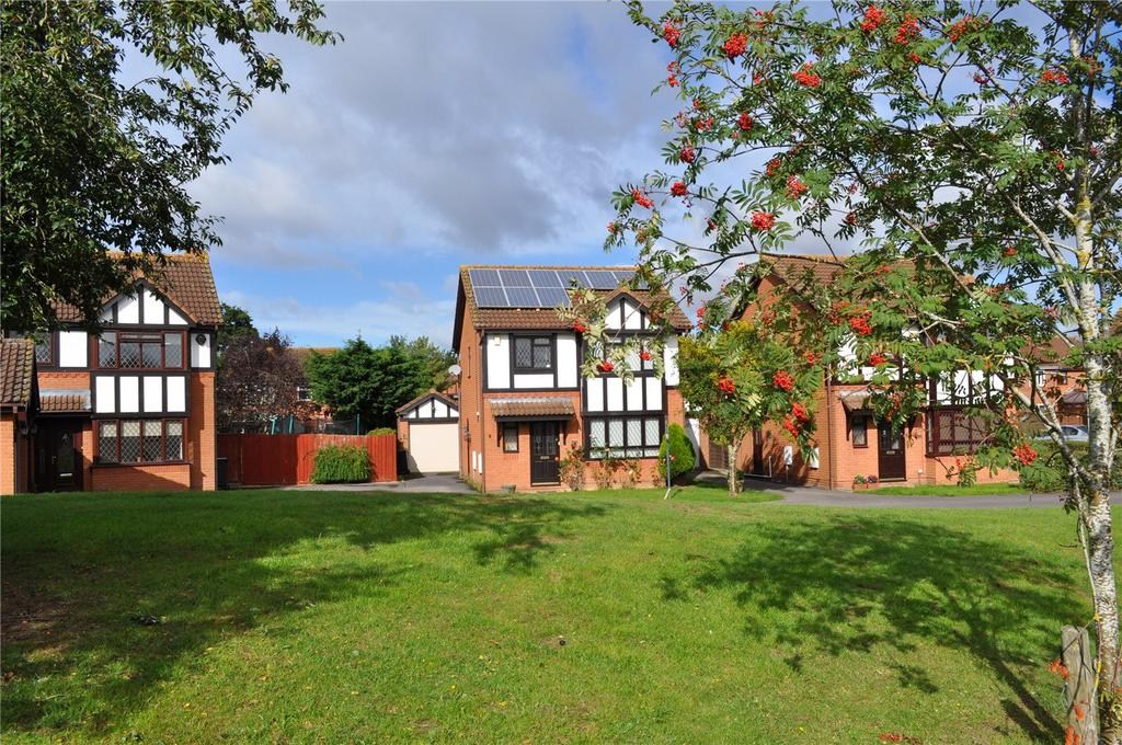 3 Bedrooms Detached House for sale in Avocet Close, Covingham, Swindon, Wiltshire, SN3