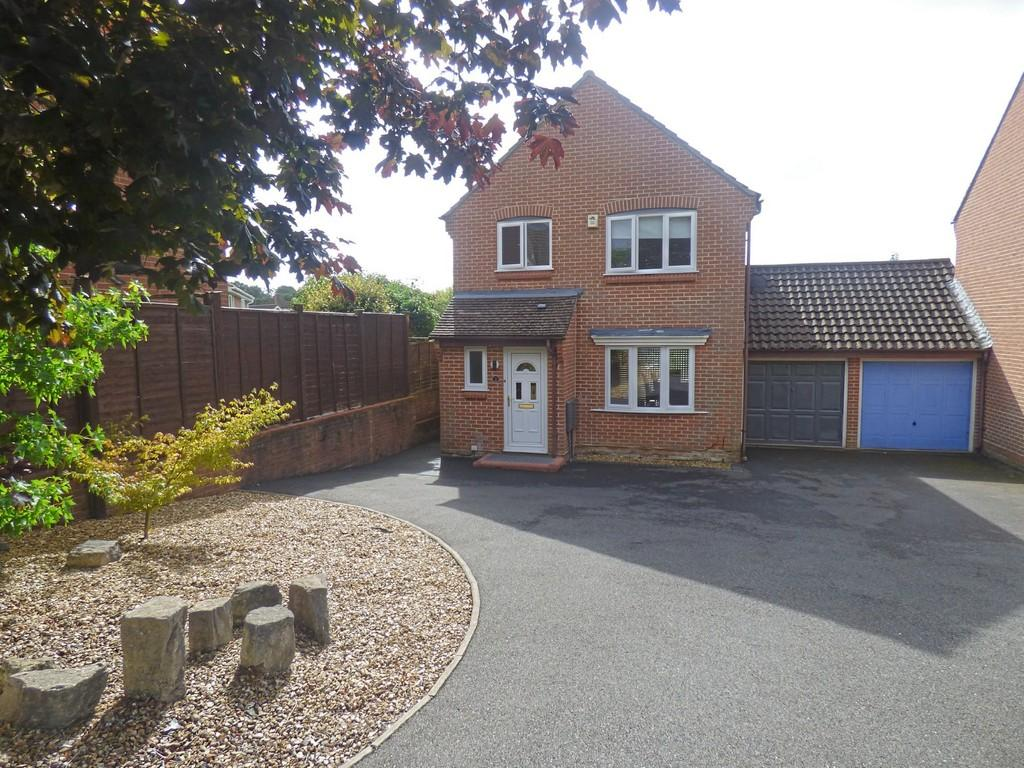 3 Bedrooms Detached House for sale in Dogwood Road, Broadstone
