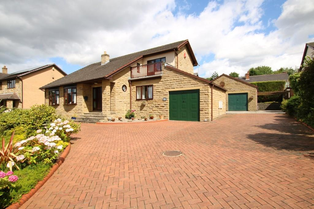 4 Bedrooms Detached House for sale in Royd Head Farm, Ossett