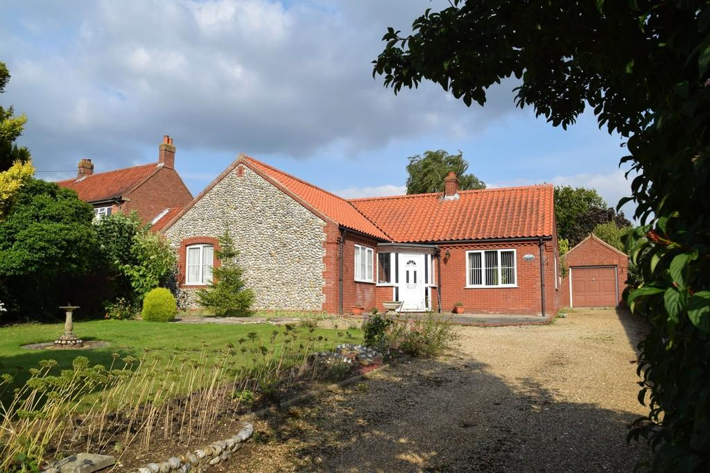 2 Bedrooms Detached Bungalow for sale in Letheringsett