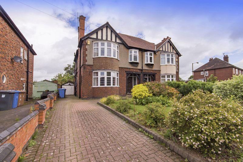 3 Bedrooms Semi Detached House for sale in ALBANY ROAD, KINGSWAY