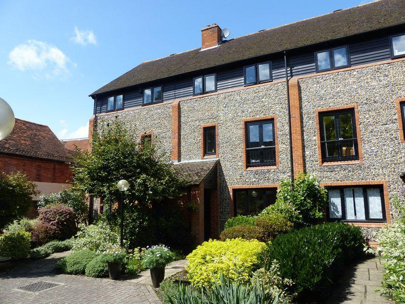 4 Bedrooms Terraced House for sale in St Peter Street, Marlow