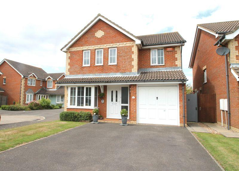 4 Bedrooms Detached House for sale in Hawkinge, Folkestone