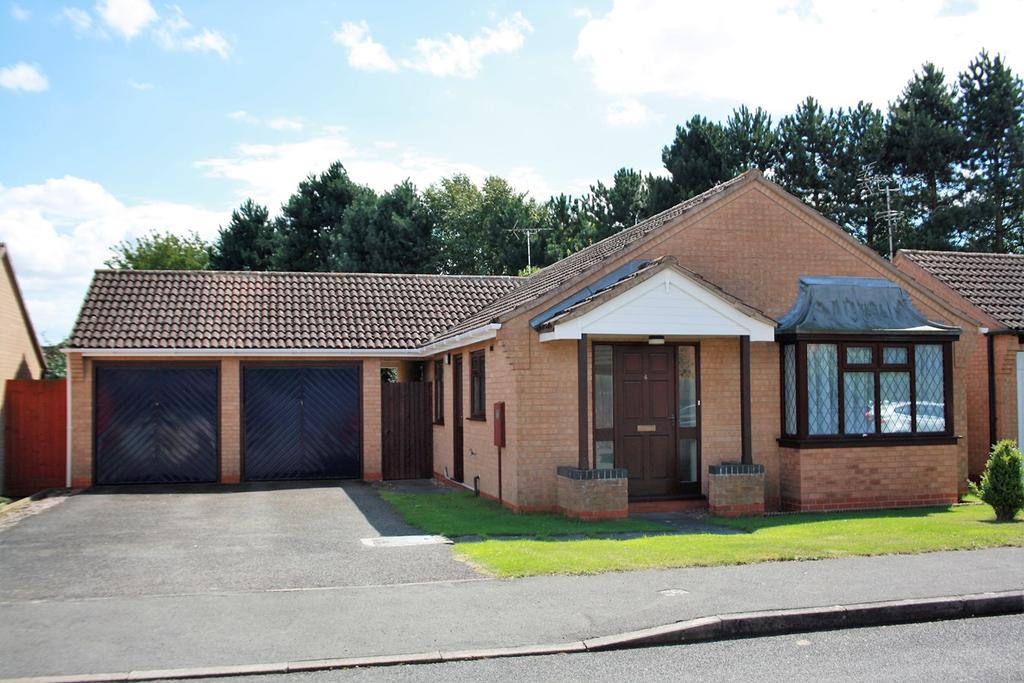 3 Bedrooms Detached Bungalow for sale in Headland Way, Haconby, Bourne, PE10
