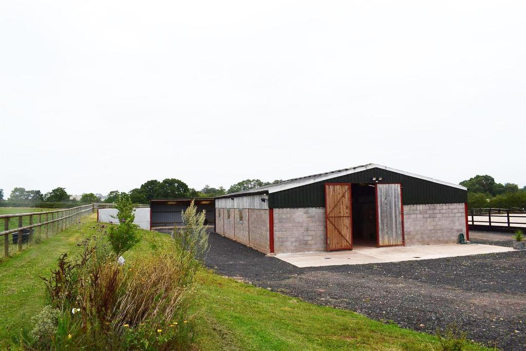 Equestrian Facility Character Property for sale in Holly Barn, Alcester Road, Radford Worcester