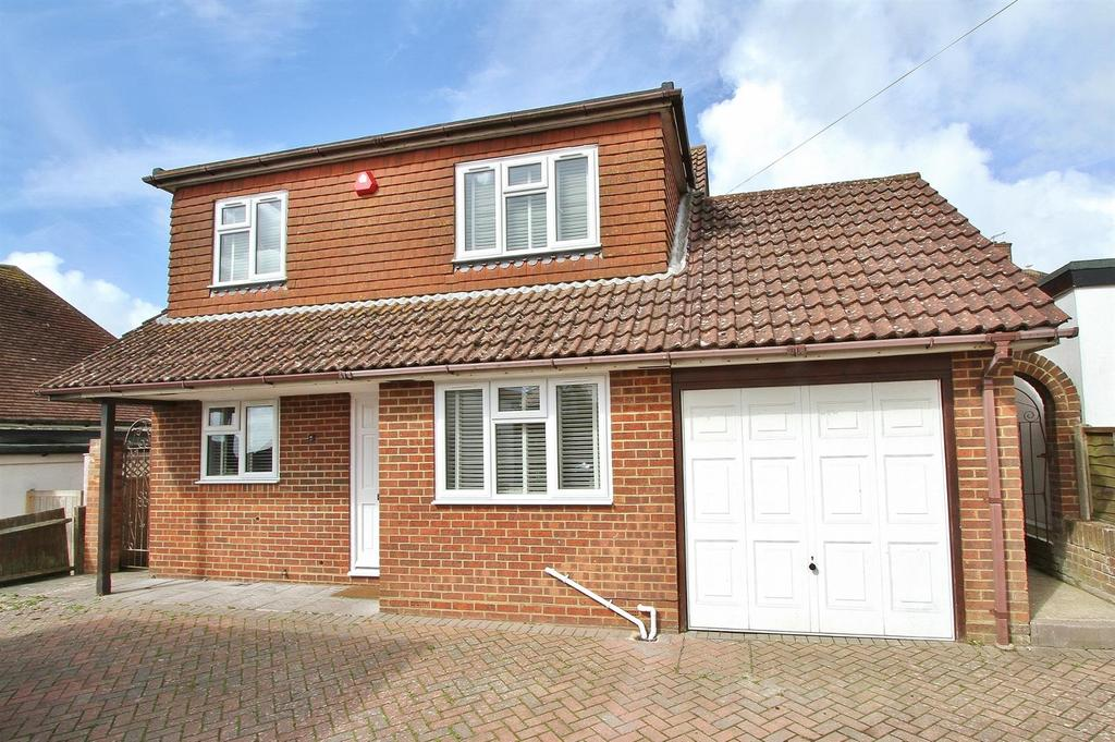 4 Bedrooms Detached House for sale in Vernon Avenue