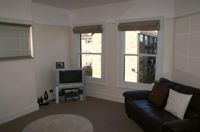 1 Bedroom Apartment Flat for sale in Tennyson Road, South Luton, Luton, LU1 3RT