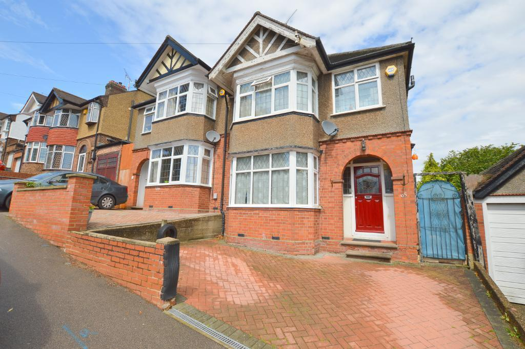 3 Bedrooms Semi Detached House for sale in West Hill Road, South Luton, Luton, LU1 3LZ