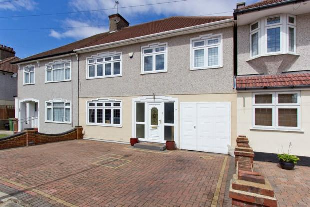4 Bedrooms Semi Detached House for sale in Bostall Park Avenue, Bexleyheath, DA7