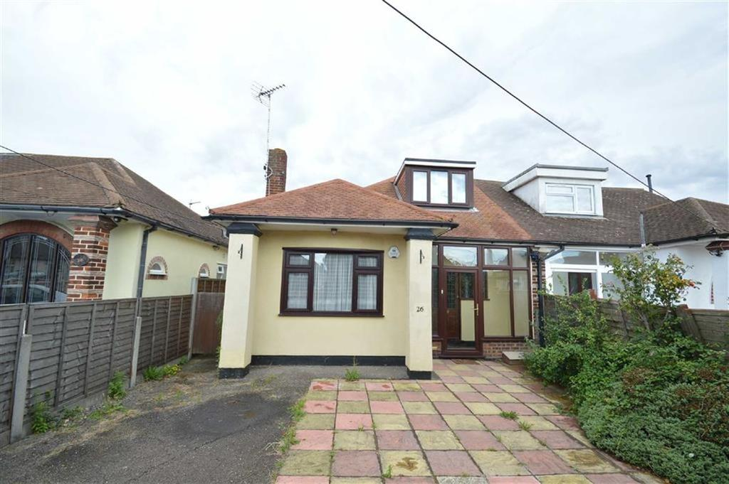 3 Bedrooms Chalet House for sale in Spencer Gardens, Rochford, Essex