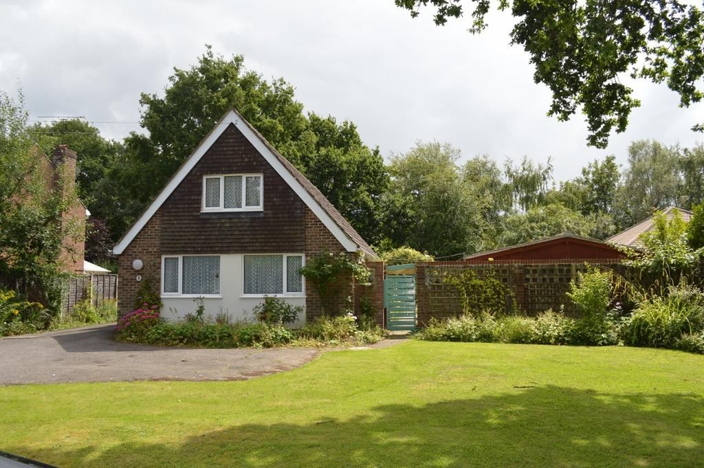 4 Bedrooms House for sale in Newnham Road, Hook