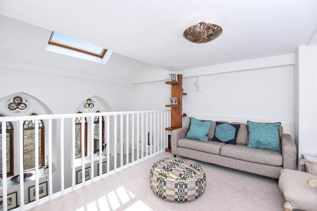 3 Bedrooms Flat for sale in Cromwell Avenue, Highgate