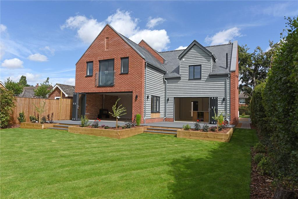 4 Bedrooms Detached House for sale in Upper Moorfield Road, Woodbridge, Suffolk, IP12