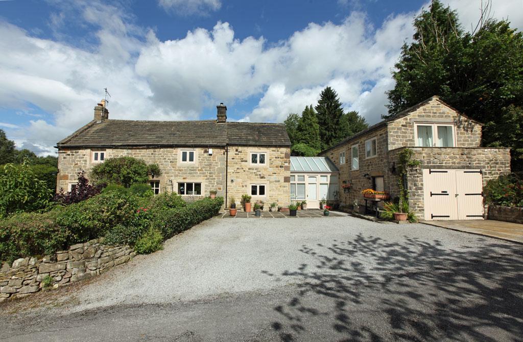 3 Bedrooms Detached House for sale in Howard Cottage, Baslow, Derbyshire, DE45