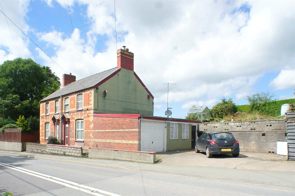 3 Bedrooms Semi Detached House for sale in Llanidloes Road, Newtown, Powys