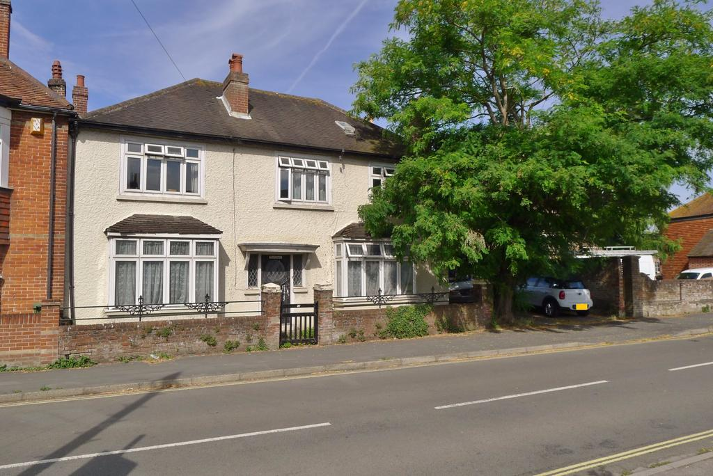 4 Bedrooms Semi Detached House for sale in CASTLE STREET, PORTCHESTER