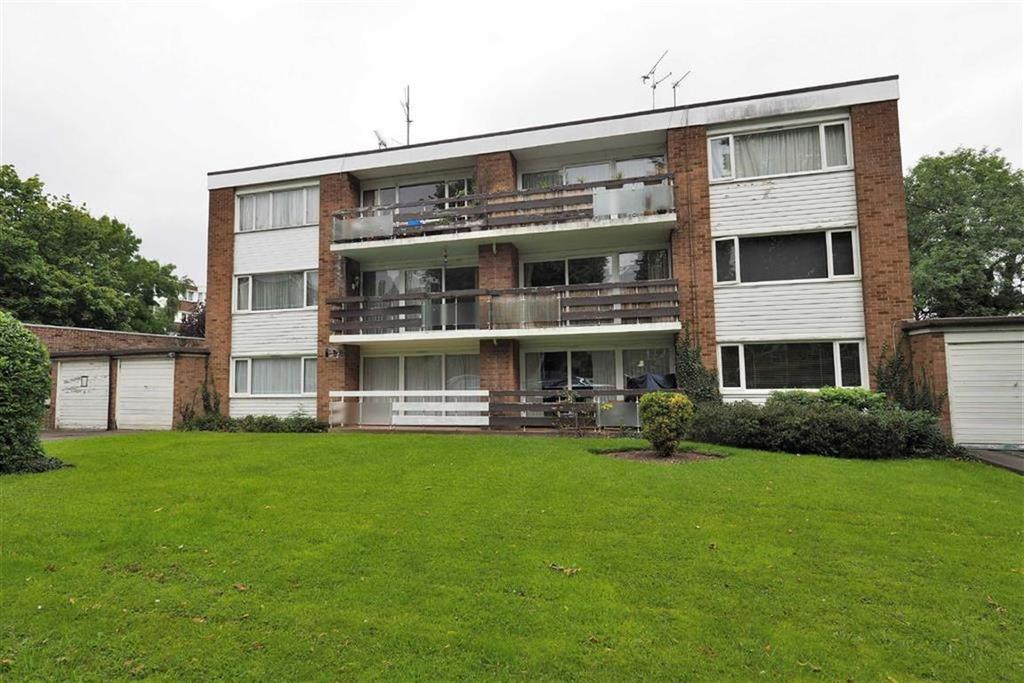 2 Bedrooms Flat for sale in Broadmead Court, Woodford Green, Essex