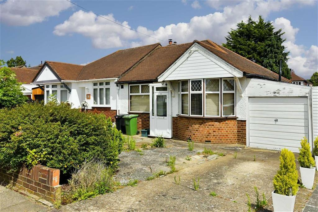 2 Bedrooms Semi Detached Bungalow for sale in Firswood Avenue, Stoneleigh, Surrey