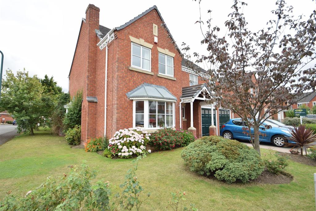 4 Bedrooms Detached House for sale in 39 Napoleon Drive, Bicton Heath, Shrewsbury, SY3 5PH