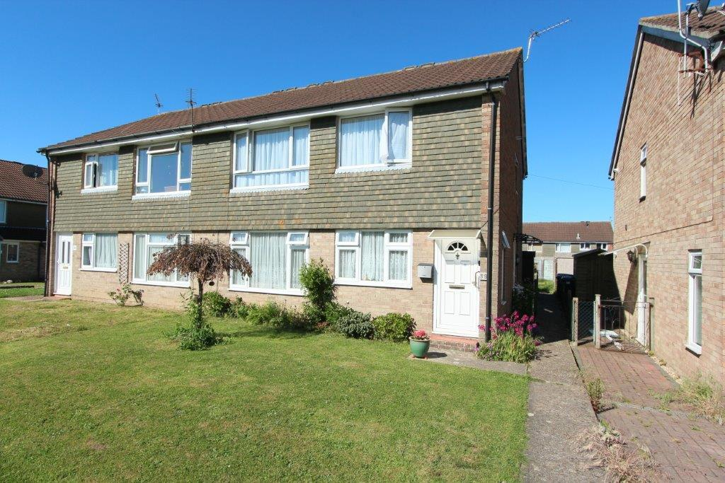 2 Bedrooms Maisonette Flat for sale in Freegrounds Avenue, Hedge End SO30