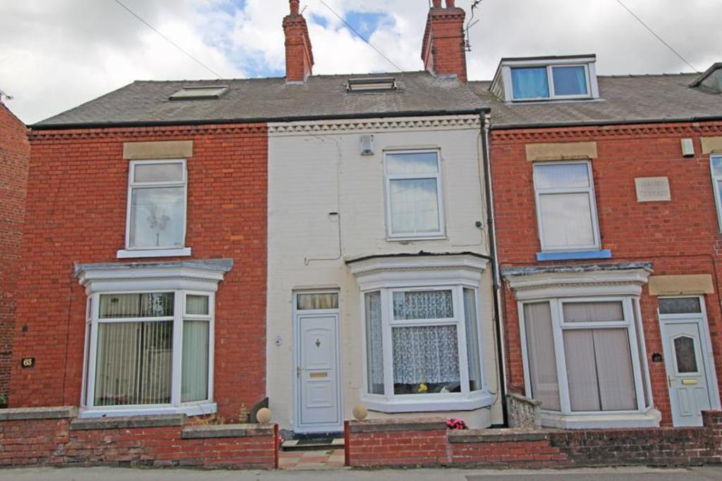 4 Bedrooms Terraced House for sale in 65 Clarence Road, Worksop
