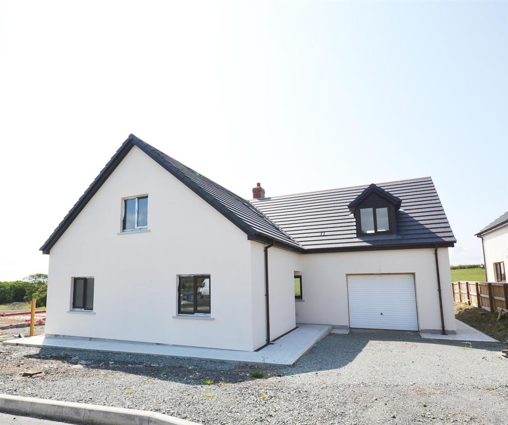 5 Bedrooms Detached Bungalow for sale in Keeston, Pembrokeshire