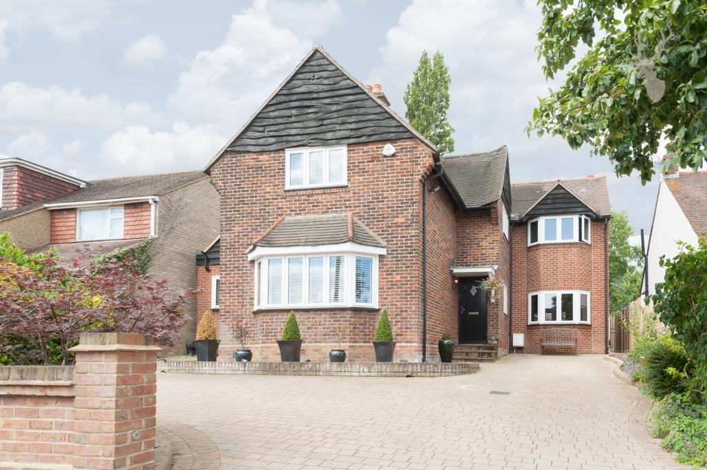 4 Bedrooms Detached House for sale in Hill Road, Theydon Bois, CM16