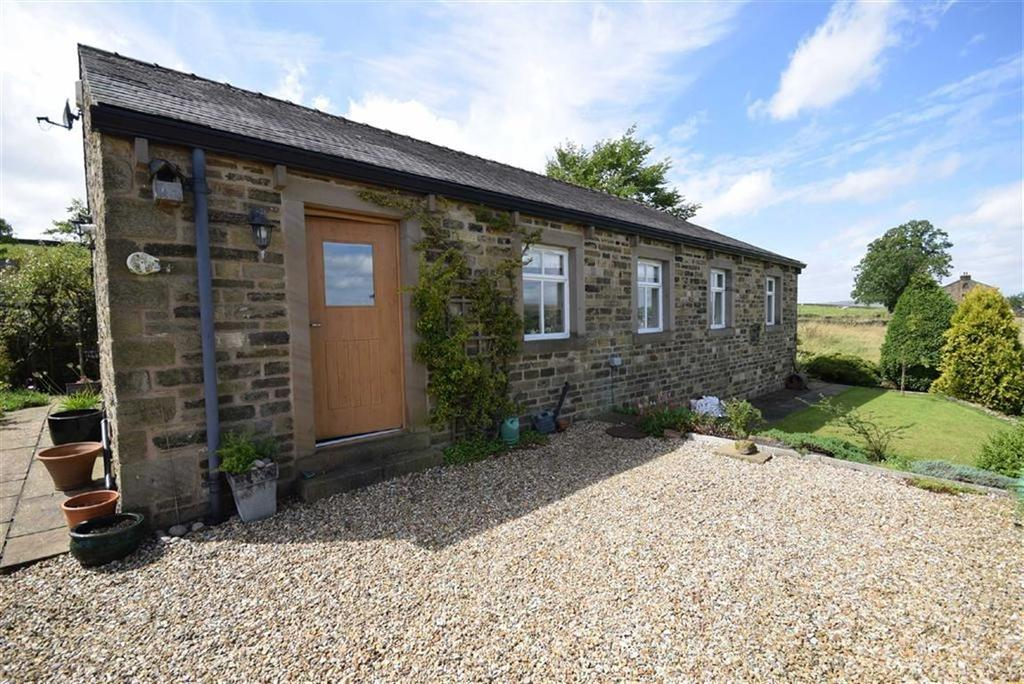 2 Bedrooms Detached Bungalow for sale in Foulds Road, Trawden, Lancashire
