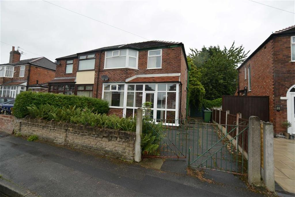 3 Bedrooms Semi Detached House for sale in Torbay Road, URMSTON, Manchester
