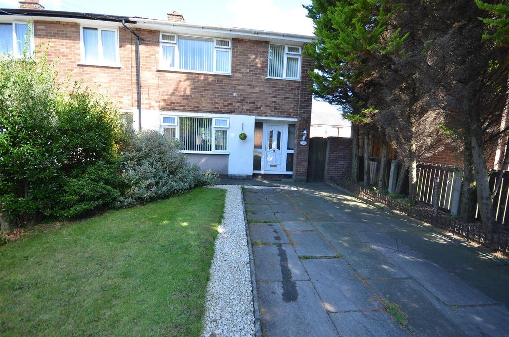 3 Bedrooms Terraced House for sale in Kimberley Avenue, Thatto Heath, St. Helens