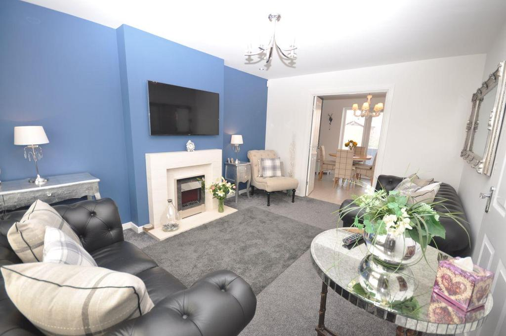 4 Bedrooms Detached House for sale in Woodham Drive, Ryhope, Sunderland