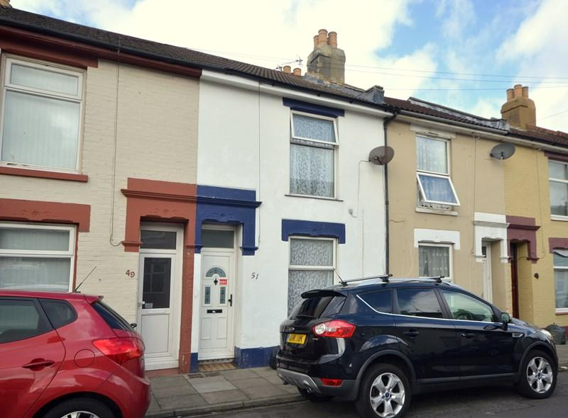 2 Bedrooms Terraced House for sale in Glencoe Road, Buckland, Portsmouth