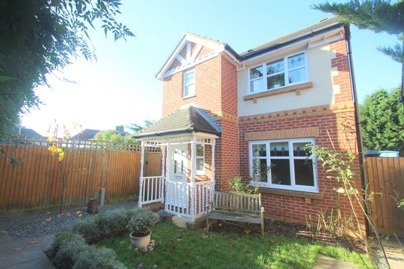 3 Bedrooms Detached House for sale in Tutor Close, Hamble, Southampton