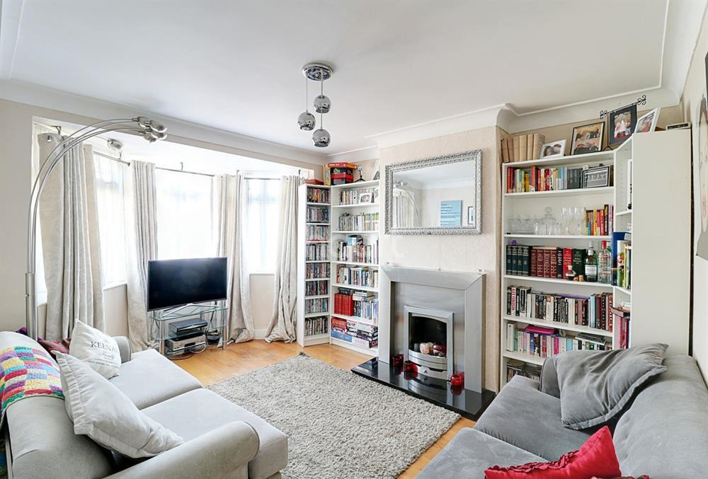 4 Bedrooms Terraced House for sale in Mays Lane, Barnet, EN5