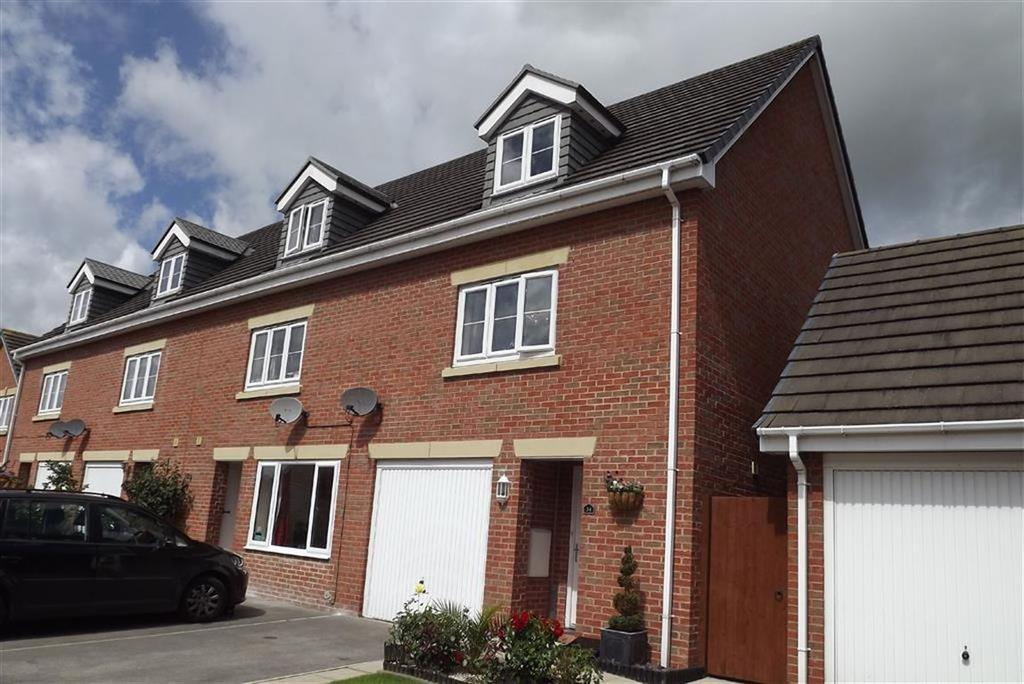3 Bedrooms Town House for sale in Ecklands Croft, Millhouse Green, Sheffield, S36