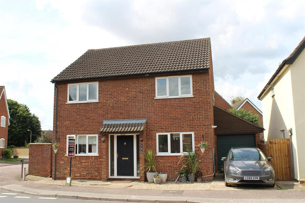 4 Bedrooms Detached House for sale in Raedwald Drive