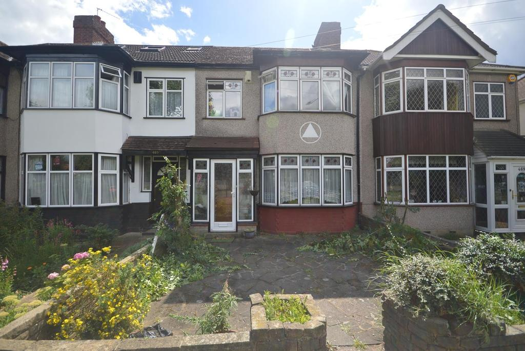 3 Bedrooms Terraced House for sale in Rush Green Road, Rush Green, Romford, RM7