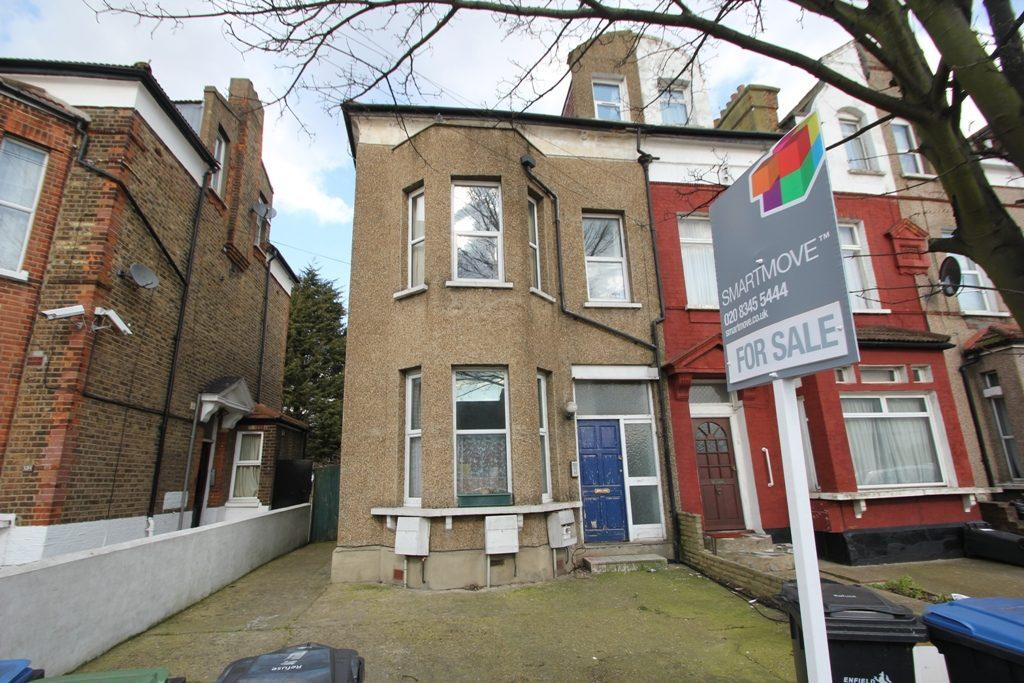 2 Bedrooms Flat for sale in Church Street, Edmonton, N9