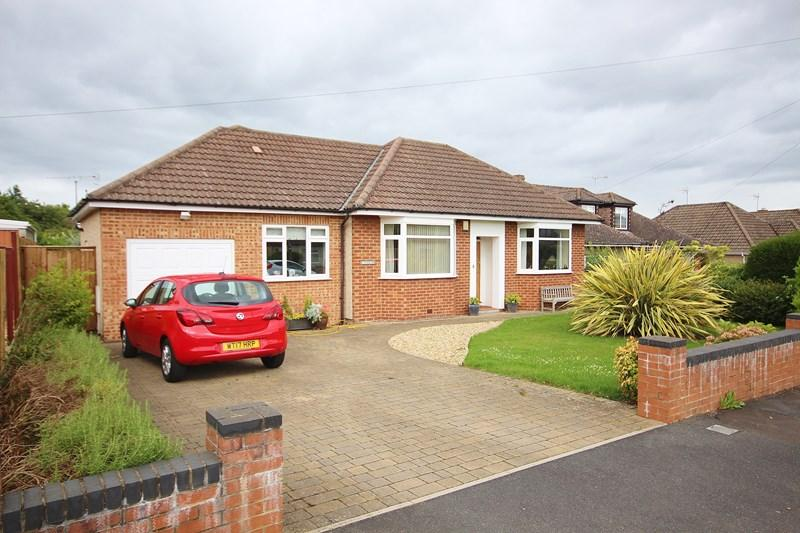 3 Bedrooms Detached Bungalow for sale in Rodney Road, Saltford, Bristol