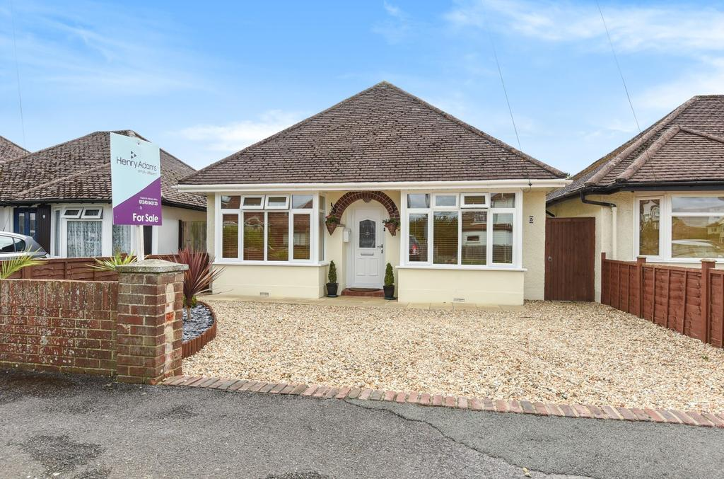 2 Bedrooms Detached Bungalow for sale in Brazwick Avenue, Bersted, Bognor Regis, PO21