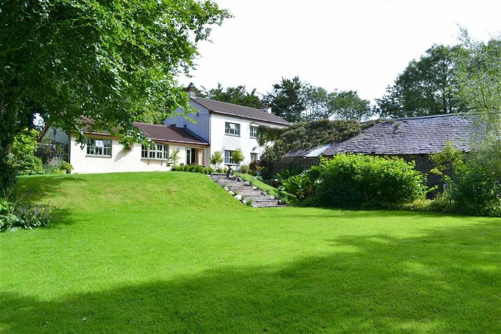 3 Bedrooms Detached House for sale in Cross Inn, Llanon, Ceredigion