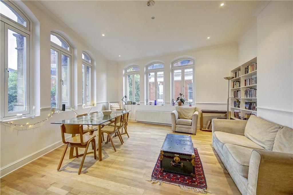 2 Bedrooms Flat for sale in Gloucester Mansions, 140A Shaftesbury Avenue, London, WC2H