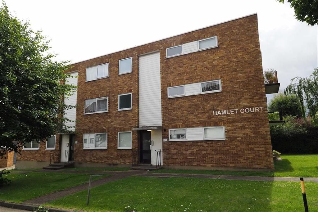 1 Bedroom Flat for sale in Hamlet Court, Woodford Green, Essex