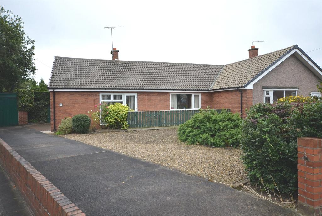 2 Bedrooms Semi Detached Bungalow for sale in Gosforth