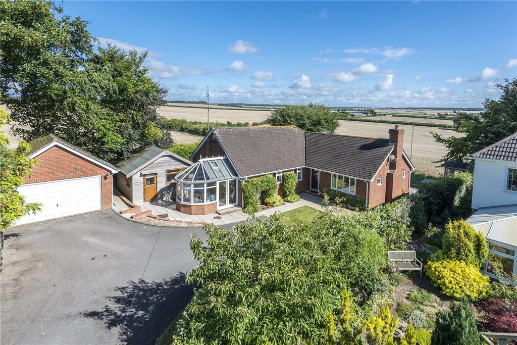 3 Bedrooms Detached Bungalow for sale in Letton Close, Letton Close, Blandford Forum, Dorset