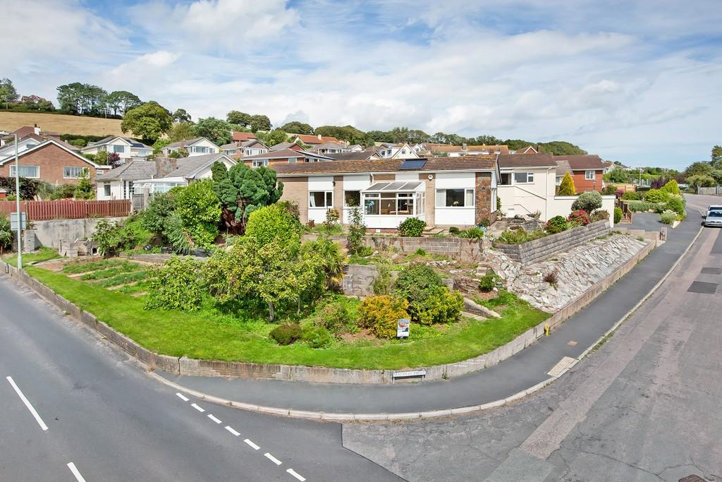 3 Bedrooms Detached Bungalow for sale in Maudlin Drive, Teignmouth, TQ14 8SE