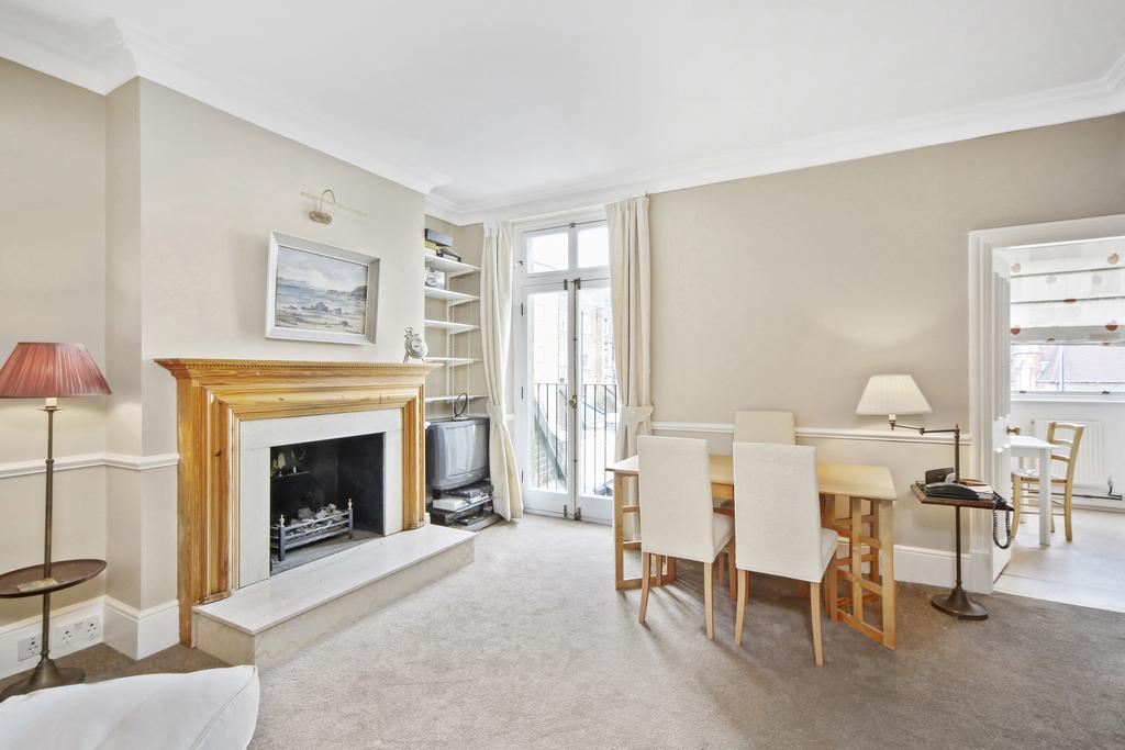 2 Bedrooms Flat for sale in Stanhope Gardens, SW7