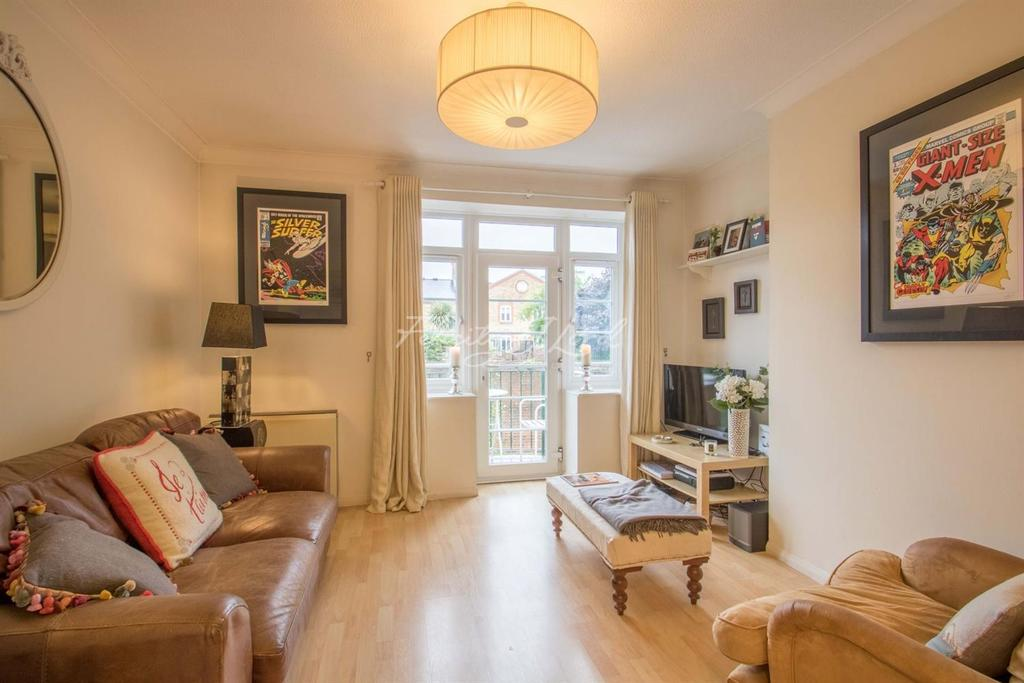 1 Bedroom Flat for sale in Acorn Walk, SE16